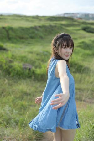 纯美森系少女清新海边摄影写真