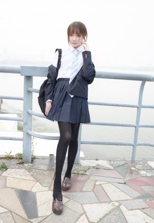 清纯jk制服少女户外写真