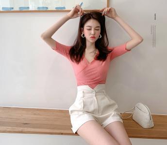 韩国朴正允成熟气质俏皮迷人写真
