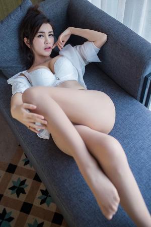 养眼少女李七喜衬衣连裤袜
