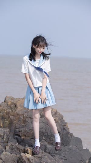 可爱的JK美少女户外写真