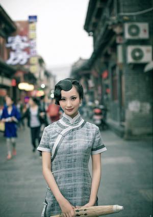古典气息的江南旗袍美女