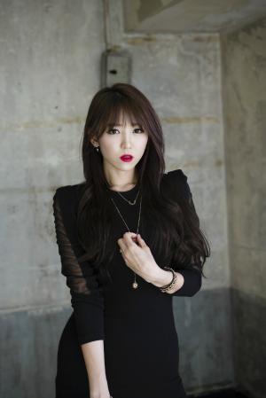 韩国性感少妇短裙美腿写真