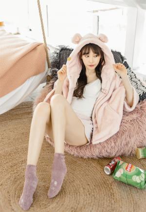 爱蜜社刘奕宁甜美气质长腿性感写真