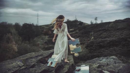 一个人的孤单女生图片