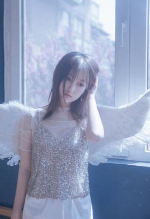 性感迷人小天使极品养眼写真