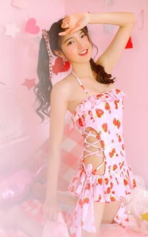 粉嫩少女精致面容甜美可人写真