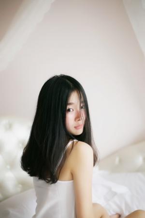 清纯优雅的女生图片