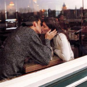 浪漫唯美情侣亲吻头像