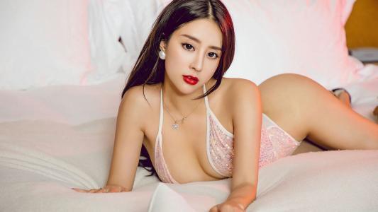 筱慧丰满美臀丁字裤诱惑蕾丝情趣床上写真