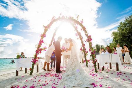 最美海岛马尔代夫浪漫沙滩婚礼
