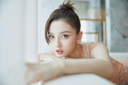 宋祖儿粉色纱裙唯美仙气写真