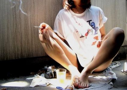 寂寞抽烟的非主流图片