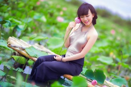 性感越南美女甜美户外写真