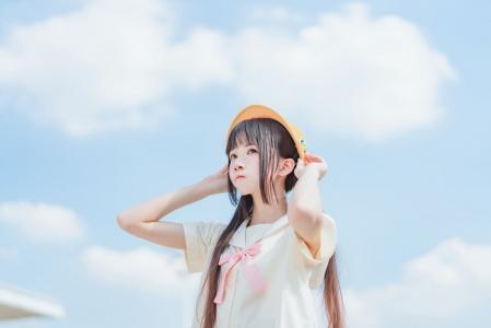 青涩少女桜桃喵可爱甜美水手服写真