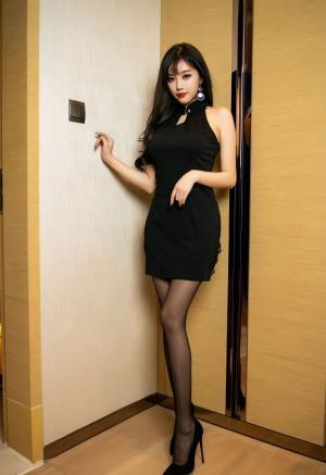 [秀人网]杨晨晨黑丝性感翘臀诱惑写真
