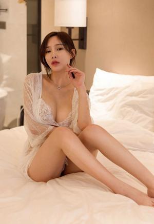 [YOUMI尤蜜荟]性感女神周妍希土肥圆矮挫穷蕾丝透视装酒店诱惑私房写真