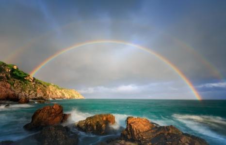 绚丽迷人的彩虹