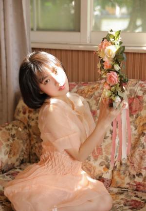 粉嫩迷人萝莉小公主写真