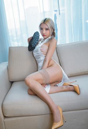 秀人网淼淼小姐姐呀古典旗袍蕾丝袜写真