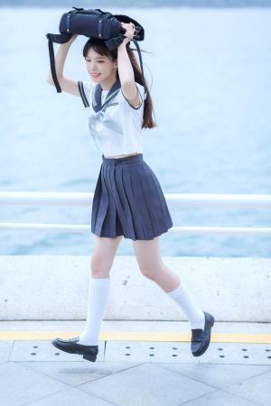 青春靓丽的海边JK美少女写真