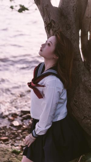 河畔边的JK女生