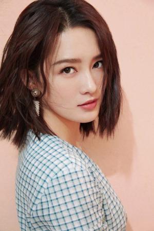 李沁小清新甜美时尚写真