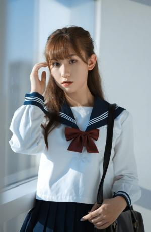 白色JK制服美女清纯甜美写真图