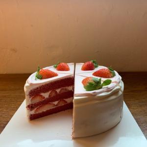 少女心满满的精致草莓蛋糕