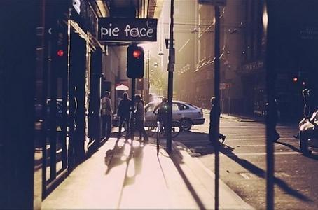 有韵味有年代感的街道风景图