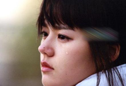唯美伤感的眼泪图片