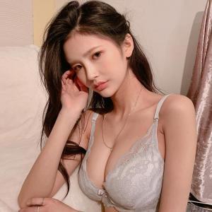 日本性感堪称完美胸型模特正妹asaki