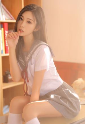 甜美学生妹jk制服白丝筒袜写真