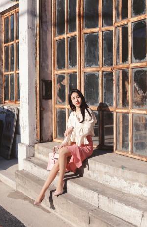 韩国美女高跟美腿诱惑写真