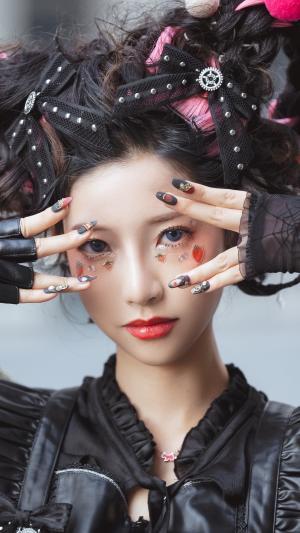 酷酷的美少女暗黑系cosplay