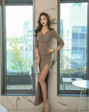 性感美女裹身裙s型前凸后翘写真
