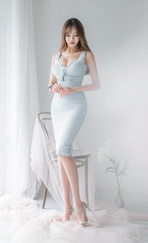 性感迷人的白皙美女私房魅力写真