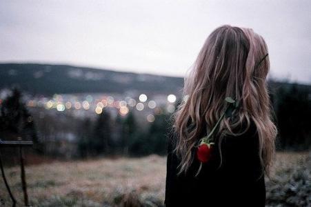 忧郁伤感的女生图片