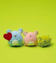 可爱的三只鼠宝宝玩具