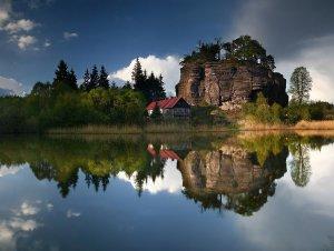 美丽风景湖面如镜