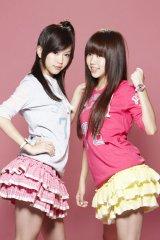 可爱的双胞胎BY2女生