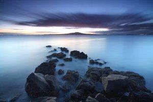 夕阳落幕蓝色的水天