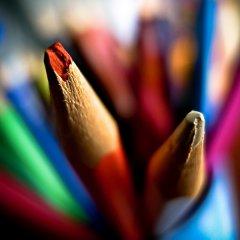 五颜六色的彩色铅笔
