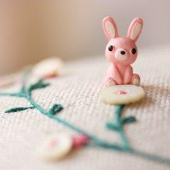 可爱的粉色兔子小玩具