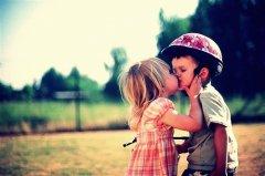 幸福的吻 爱情可爱图片