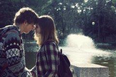 幸福的吻 爱情可爱图片之二