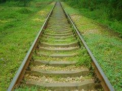 通往春天的铁路LOMO图片