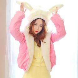 加厚短款的兔耳朵棉衣搭配