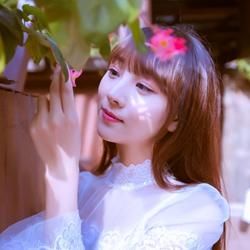 可爱清纯美女甜蜜写真照片