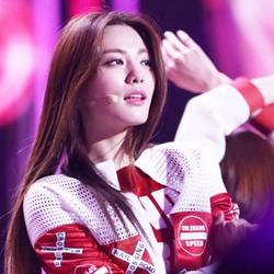 韩国美女NANA林珍娜演出照片